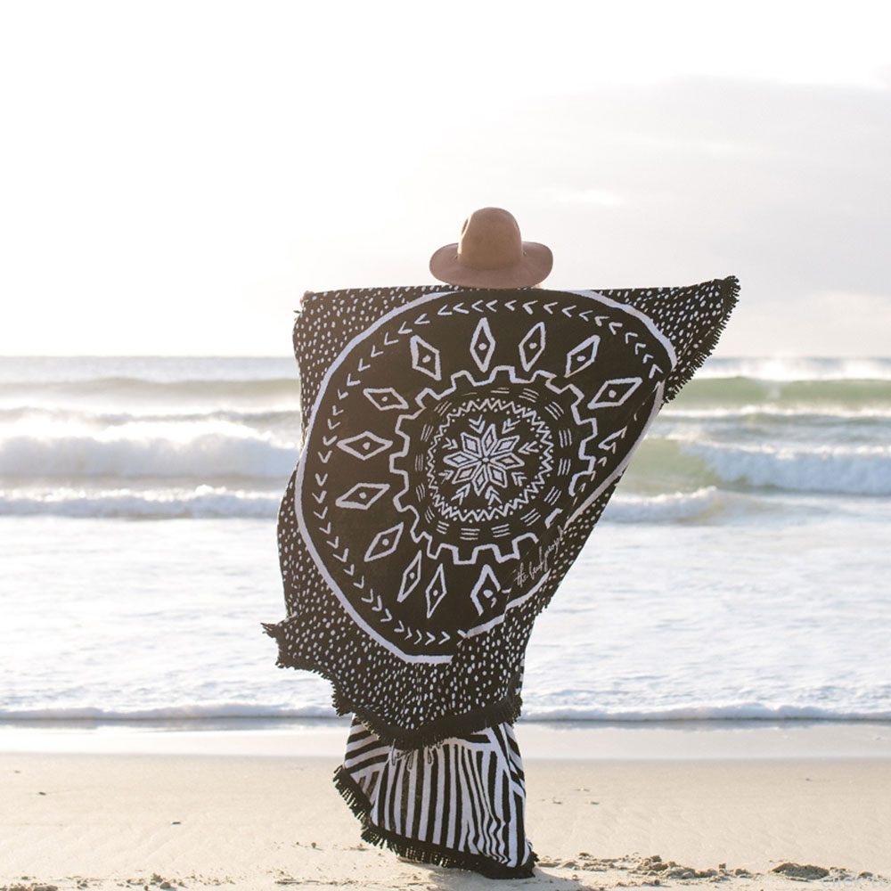 beach-people-towel-3